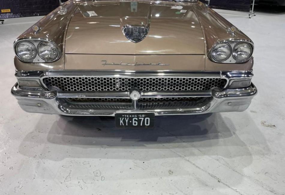 Ford farilane 1958